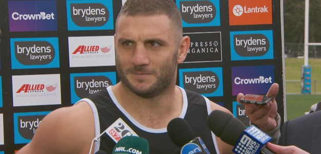 Farah addresses contract talk