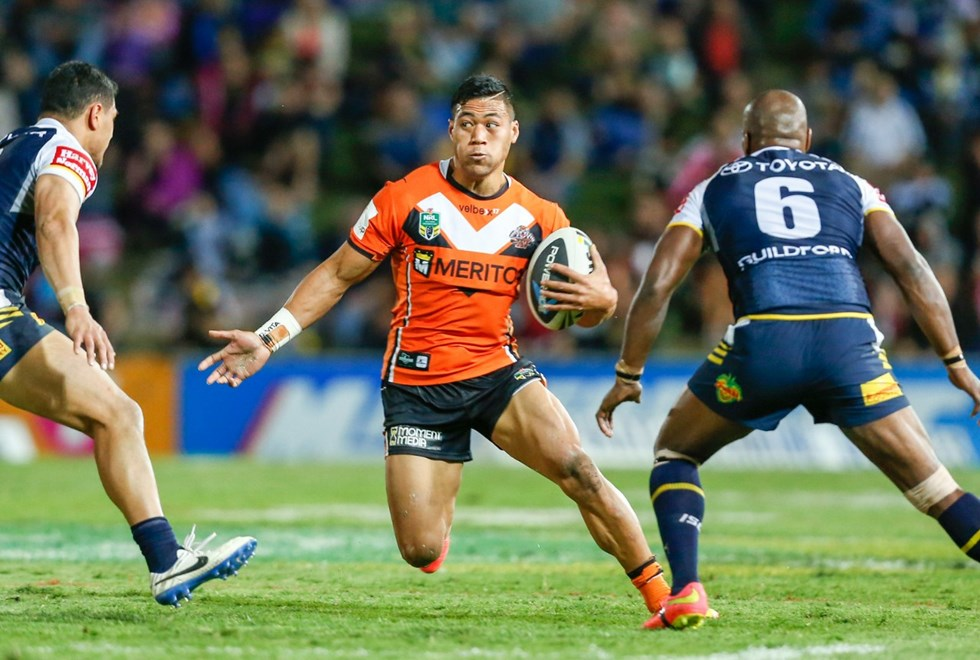 """NRL Wests Tigers V NQ Cowboys. 09/08/2014. Photo: Michael Chambers for Melba Studios."""