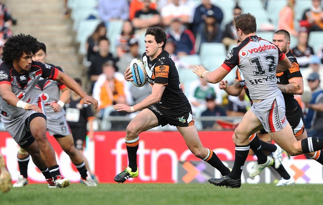 Mitchell Moses : NRL Rugby League, Tigers V Warriors at Campbelltown Stadium, Sunday 30th August 2015. Pic by Robb Cox © NRL Photos