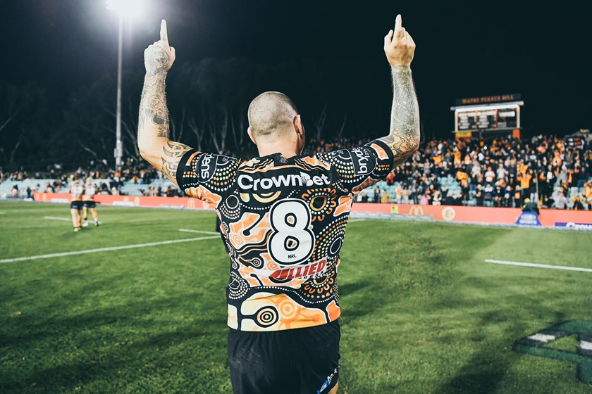 Russell Packer celebrates his side's win over the North Queensland Cowboys at Leichhardt Oval in 2018.