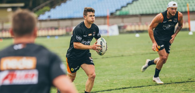 Wests Tigers young guns star in Schoolboys thrashing