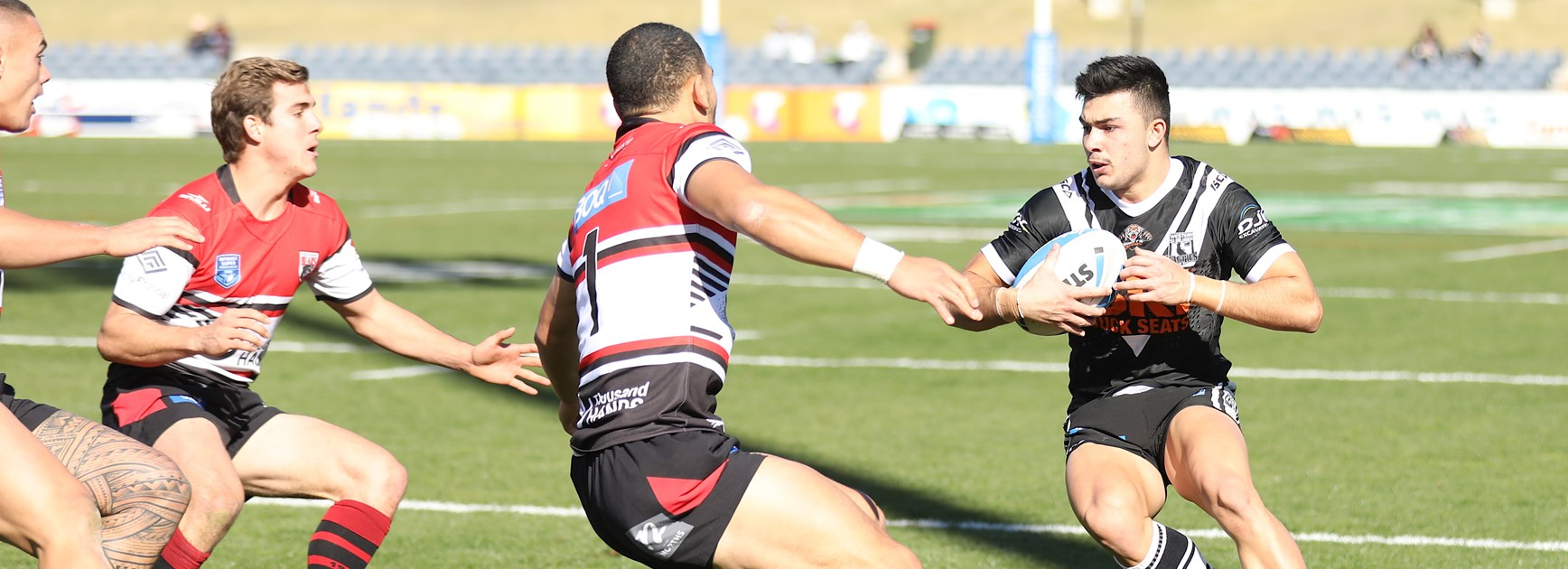 Magpies hold on to defeat Bears