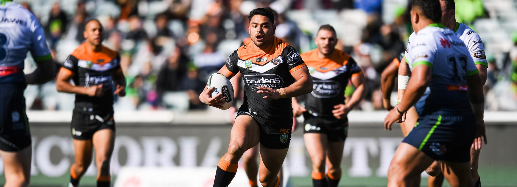 Wests Tigers hold on to defeat Raiders