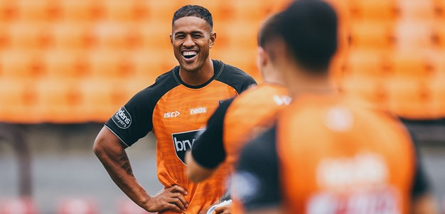 Michael Chee Kam re-signs with Wests Tigers