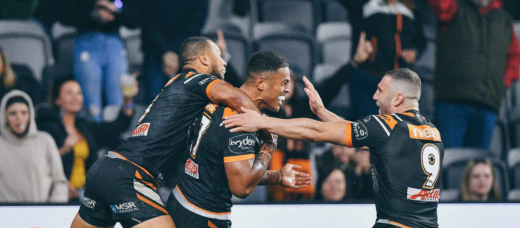 All the photos from Round 15!