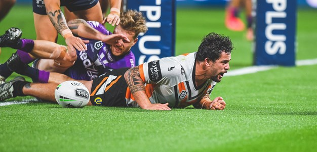 Aloiai monsters his way through the middle