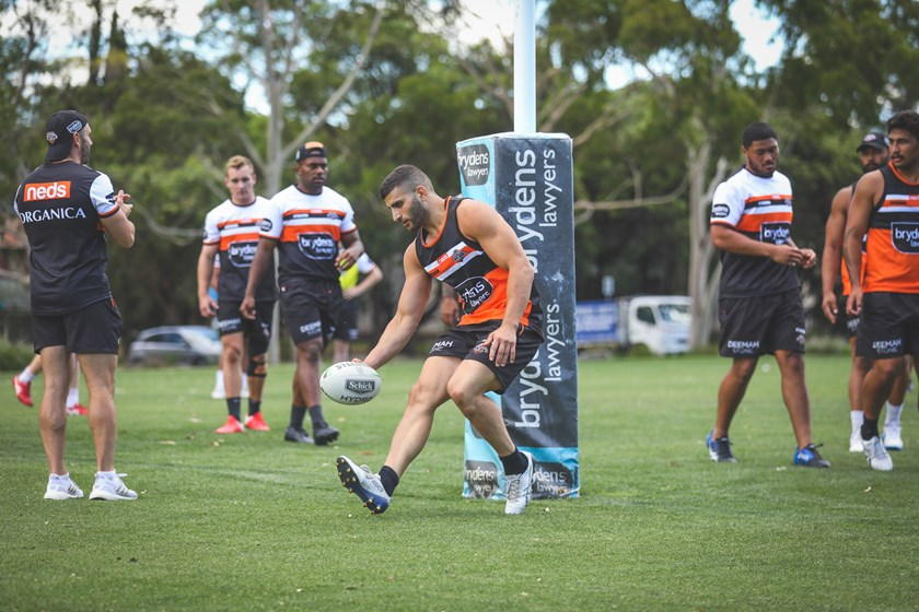 Can Alex Twal cross the line for his first try in 2021?